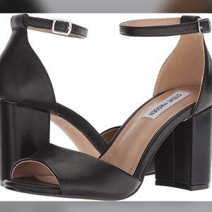Steve Madden • Mirna Sandal Heels